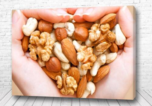 Постер Ореховое сердце