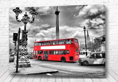 Постер Красный автобус