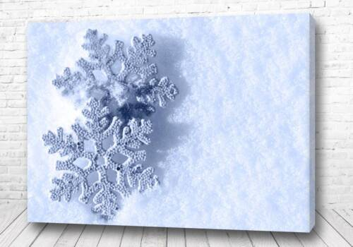 Постер Белые снежинки