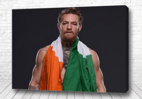Постер Макгрегор с флагом