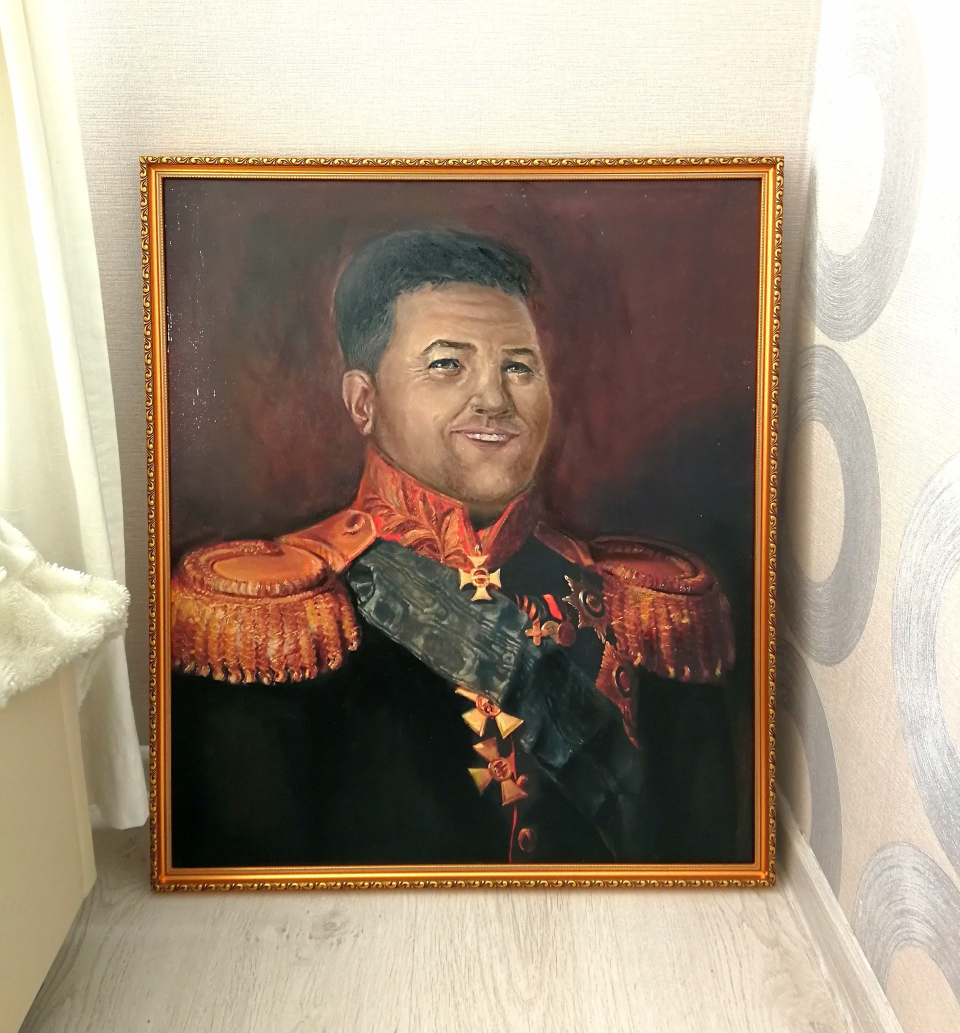 Портрет на холсте маслом в раме на заказ