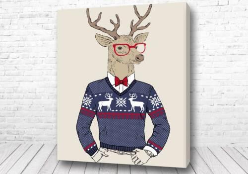 Лось в свитере