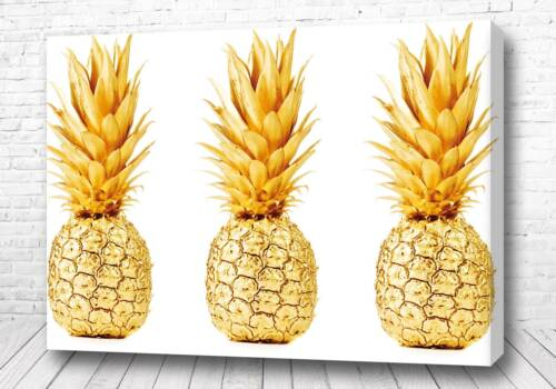 Три золотых ананаса