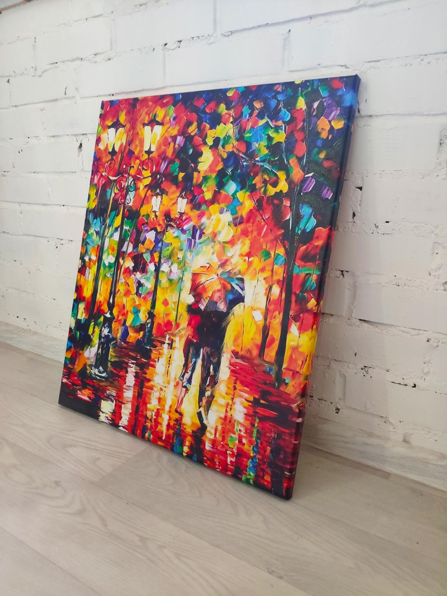 Картина Двое под зонтом в интерьере