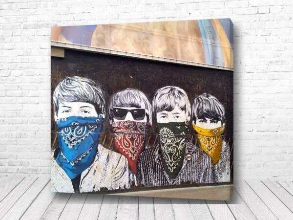 Постер Стена кумиров