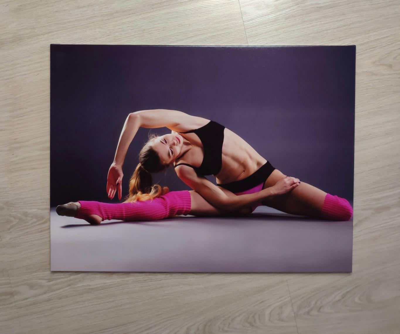 Пример постера Девушка гимнастка